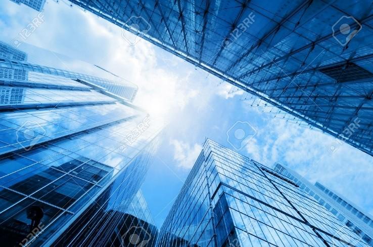 43168937 gratte ciel d affaires modernes immeubles de grande hauteur l architecture levée vers le ciel le 1 Banque/Assurance